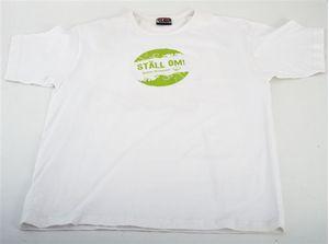 """Bild på Vit t-shirt """"Ställ om"""" - L"""